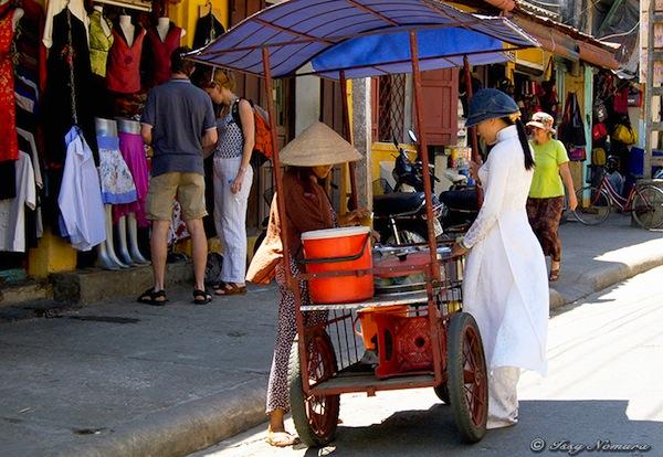 アオザイ ベトナム 女性